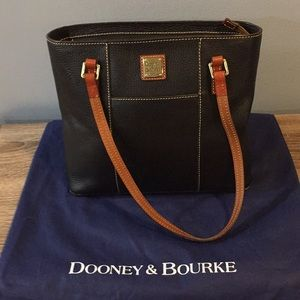 Dooney and Bourke tote Great condition